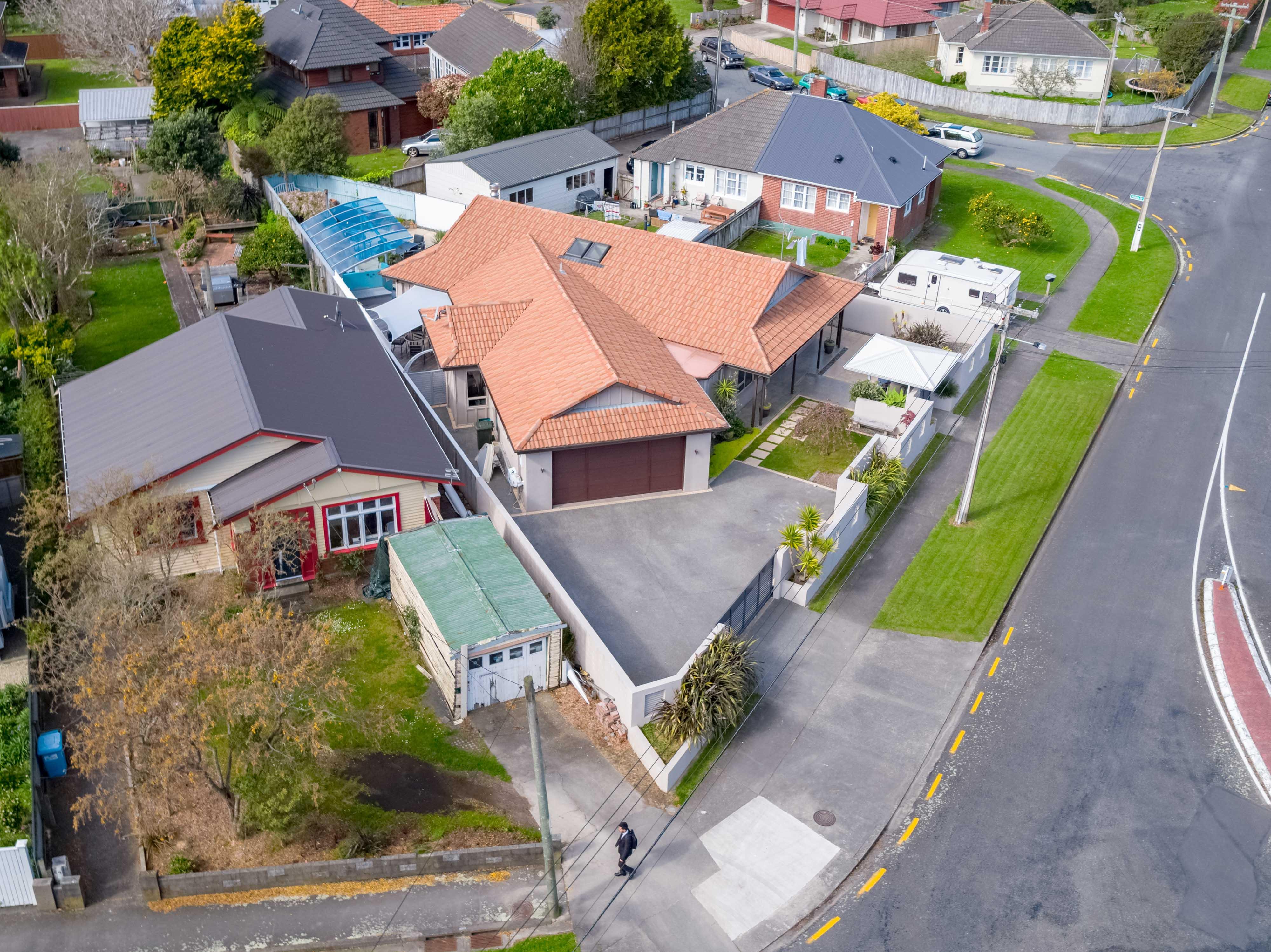1 Brees Street, Lower Hutt Aerial 0280 Boundary 2