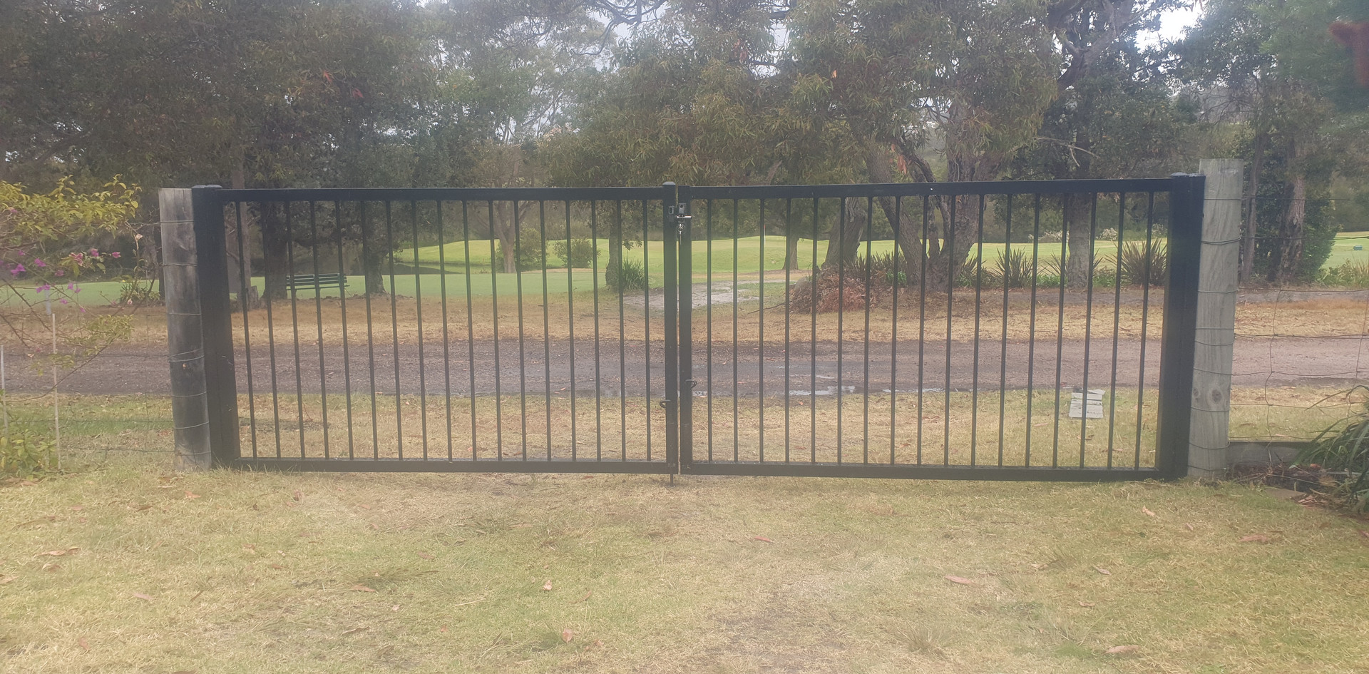 Heavy duty flat top double gates.jpg