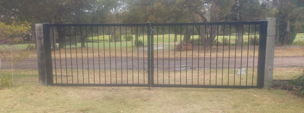 Heavy duty flat top double gates.jpg