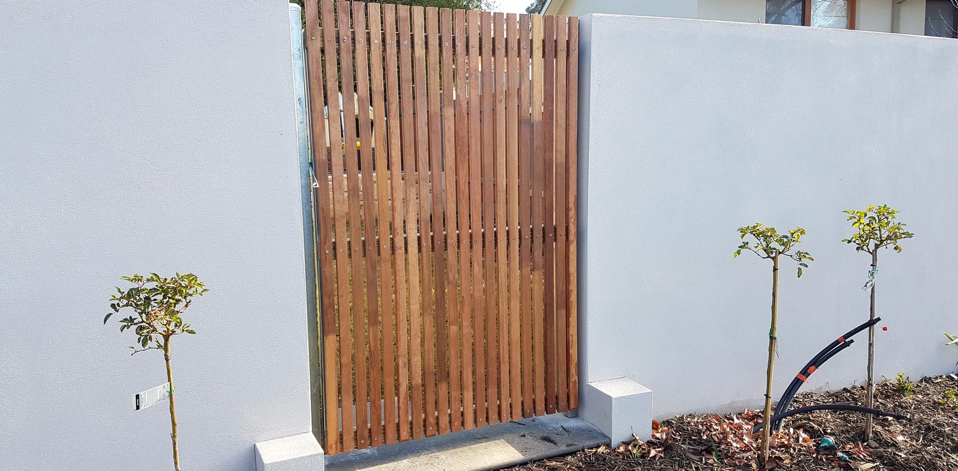 Vertical merbau slat gate (40mm).jpg