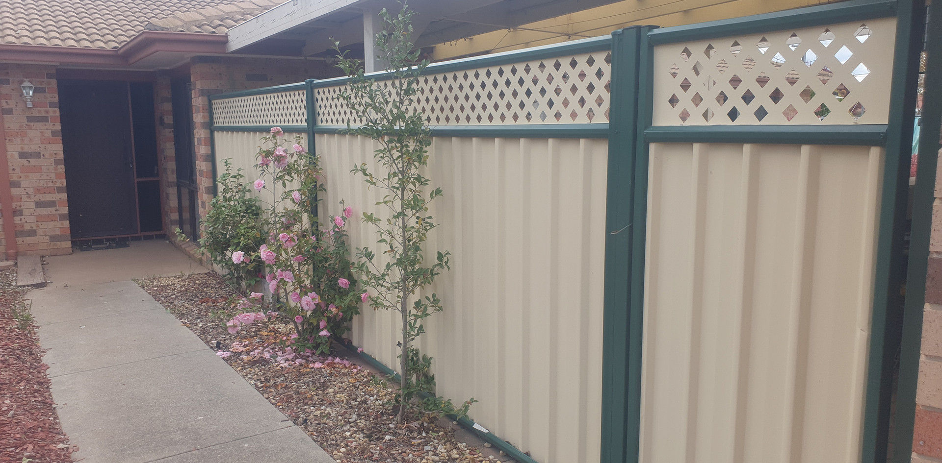 colorbond fence with lattice work and ga