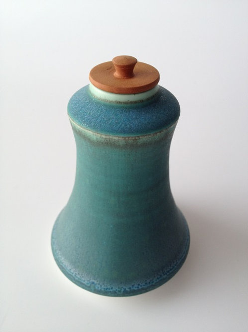 Copper glazed pot with pearwood lid
