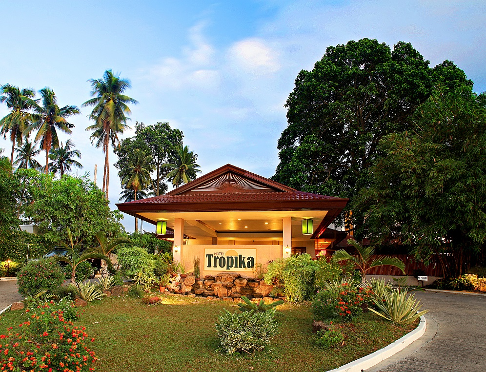 Hotel Tropika entrance