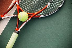 equipo-tenis-pelota-tenis_23-2148320687.