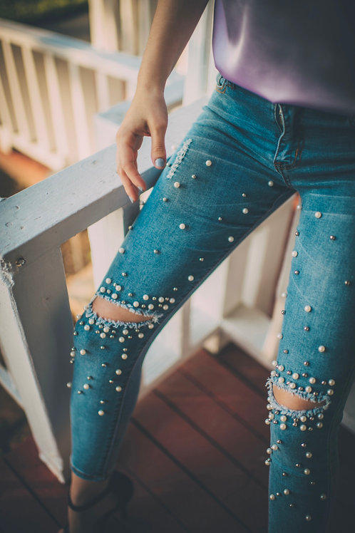 RIPPED SKINNY PEARL JEANS
