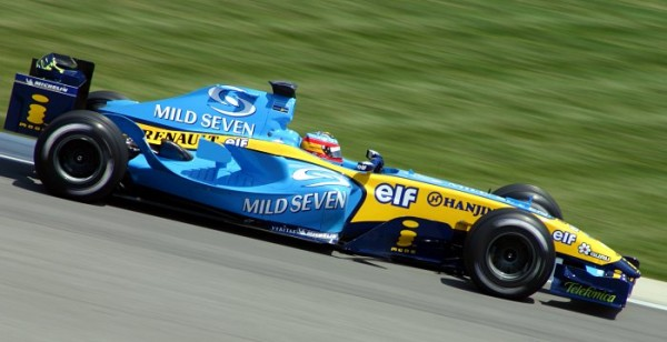 BENETTON-RENAULT-Alonso-US-GP2005-600x308