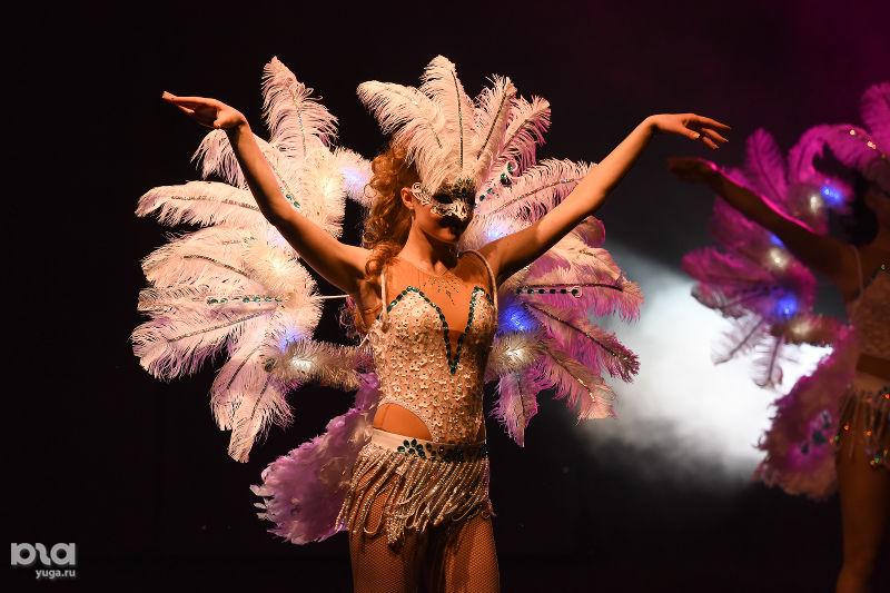 Светодиодный шоу балет NEON MIX