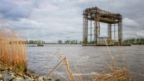 Hubbrücke Karmin