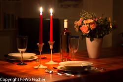 Essen bei Kerzenschein