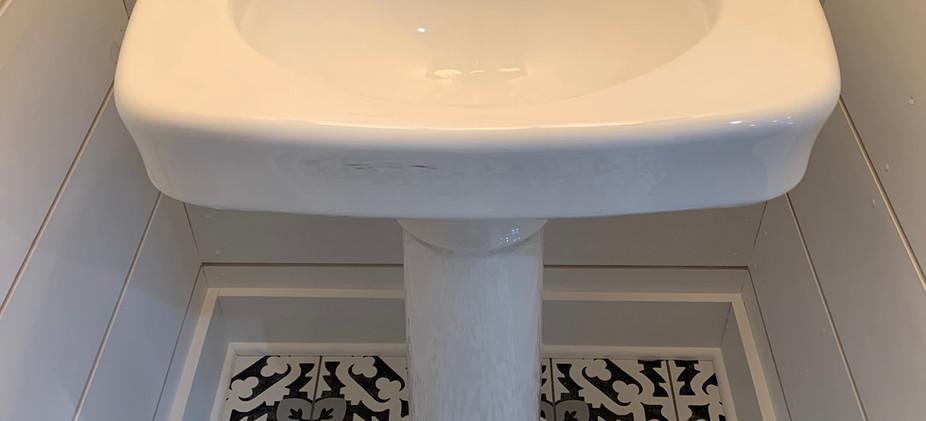 podium sink