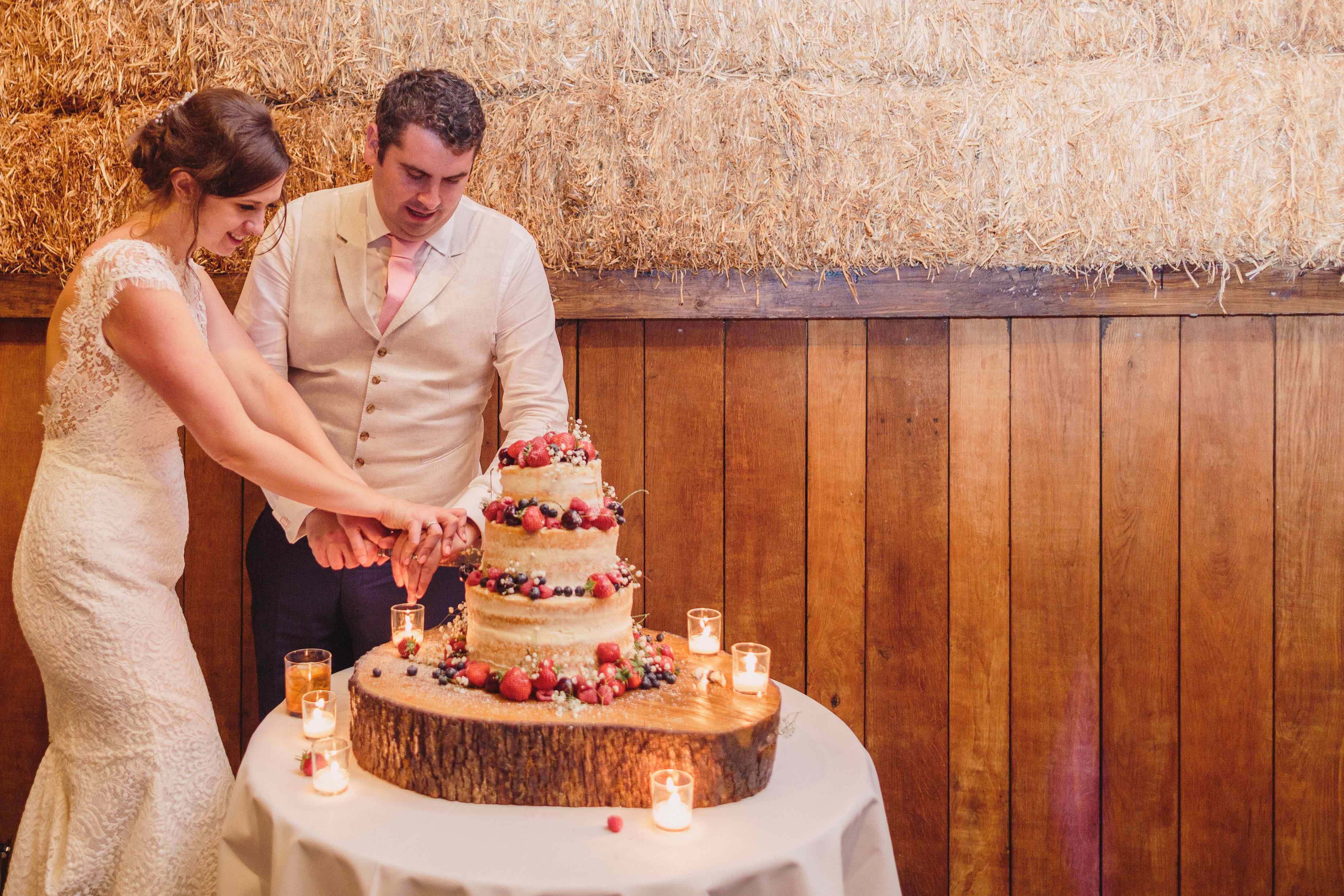 Barn weddings at Pangdean Old Barn
