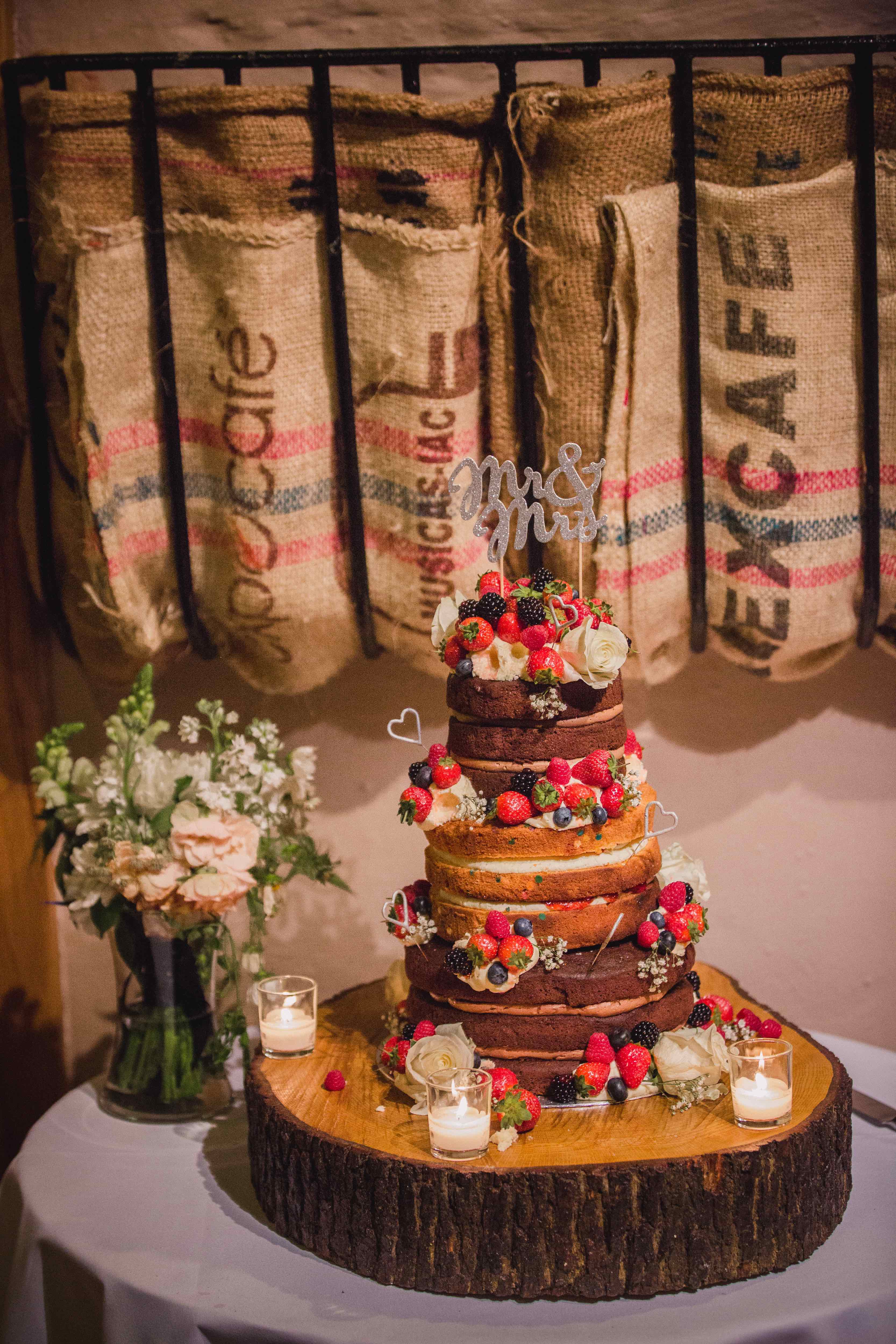 Barn wedding features at Pangdean