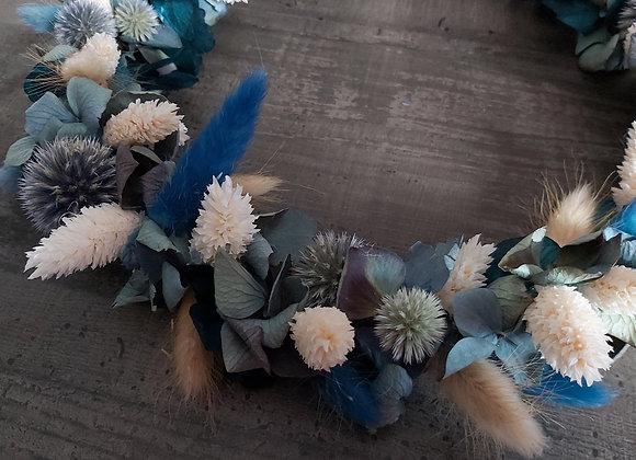 Couronne murale Blue Velvet en fleurs séchées