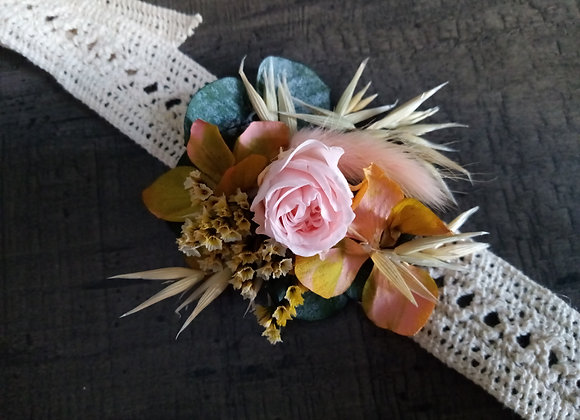 Bracelet Joséphine fleurs séchées et stabilisées sur guipure