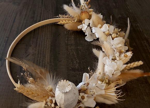Fauvette couronne murale plumes, fleurs séchées  sur bambou