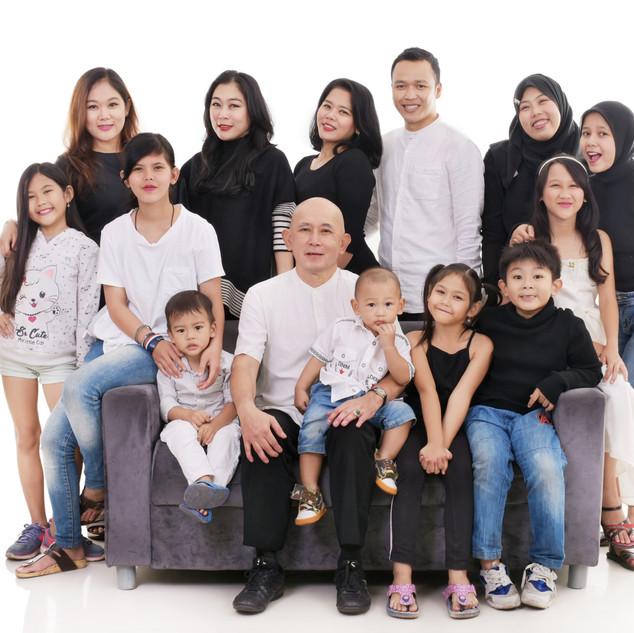 FAMILY ELEGAN