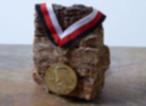Médaille de Ieschouah et son ruban tricolore | Archiconfrérie de Ieschouah