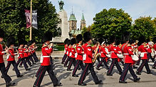 London - Changing of the Guard.jpg
