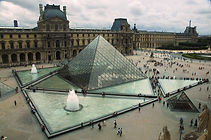Paris - Louvre.jpg