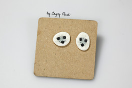 clous d'oreilles