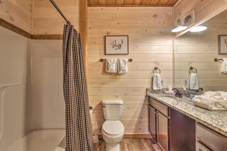 Bedroom 4 en-suite bathroom 2nd floor