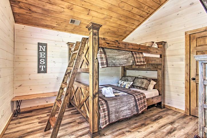 Bedroom 5 queen bunk beds 3rd floor
