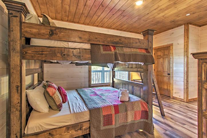 Bedroom 3 queen bunk beds with en-suite bathroom 2nd floor