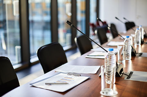 Business-objects-on-table-553216.jpg