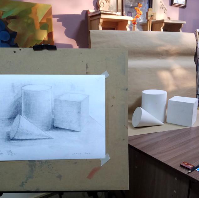 Рисунок геометрических фигур с натуры. Студия рисования астана. художка в астане