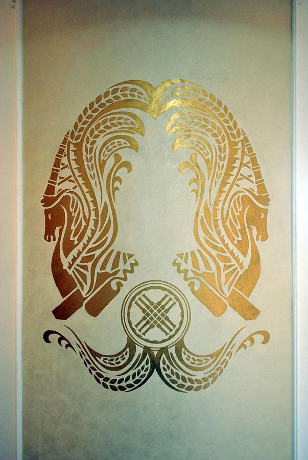 Золотая роспись в интерьере