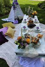 victorian-style-picnic-with-food