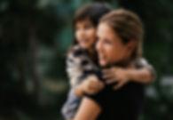 Sanra Fleckenstein mit Kind auf dem Arm