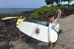 ハワイ島のサーフィングスクールをご利用していたいただいた、あやこ様とはな様の感想