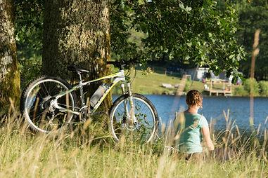 Location de vélo éléctriques et VTT avec remorque enfant en Corrèze