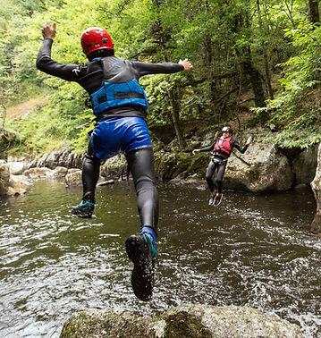 Aquarando  et canyoning dans les gorges de la Corrèze avec esprit Nature à Tulle