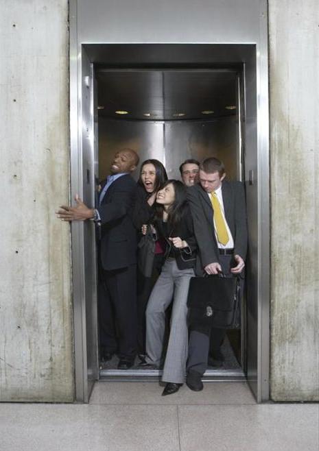 não exceder capacidade máxima do elevador