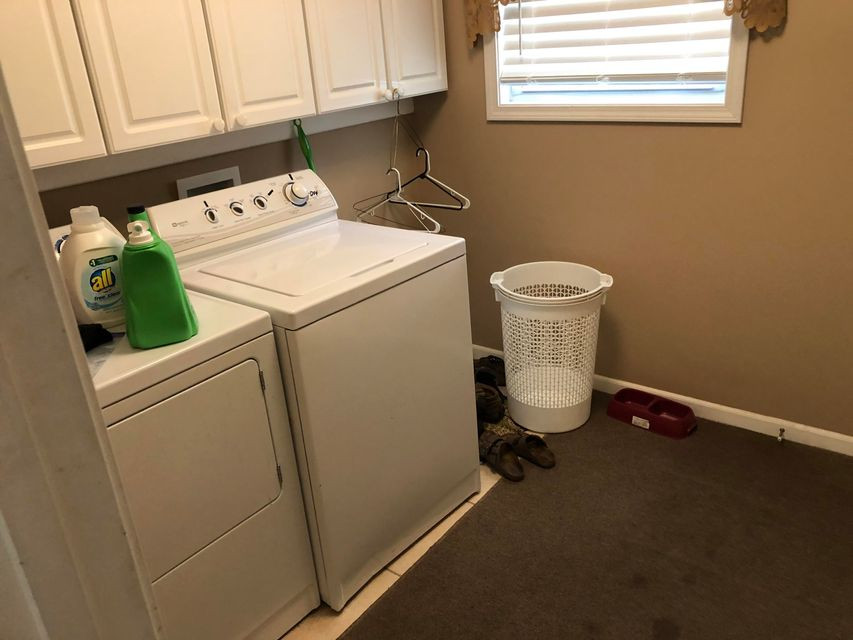 B8- laundry room.jpg