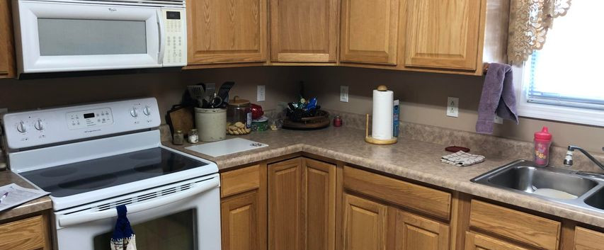 B6- kitchen3.jpg