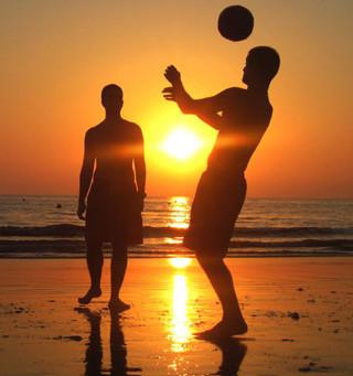 Horários e locais específicos para a prática esportiva na orla