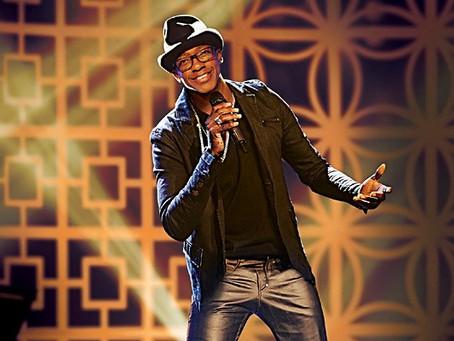 Show do cantor Mumuzinho no Portuários