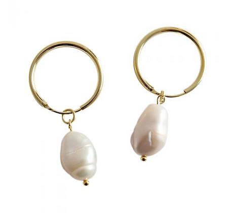 Fresh water pearl Hoops