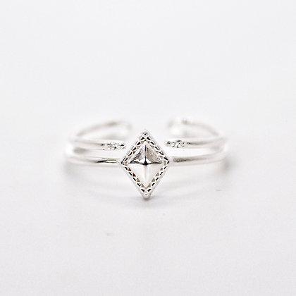 Girl's best friend ring