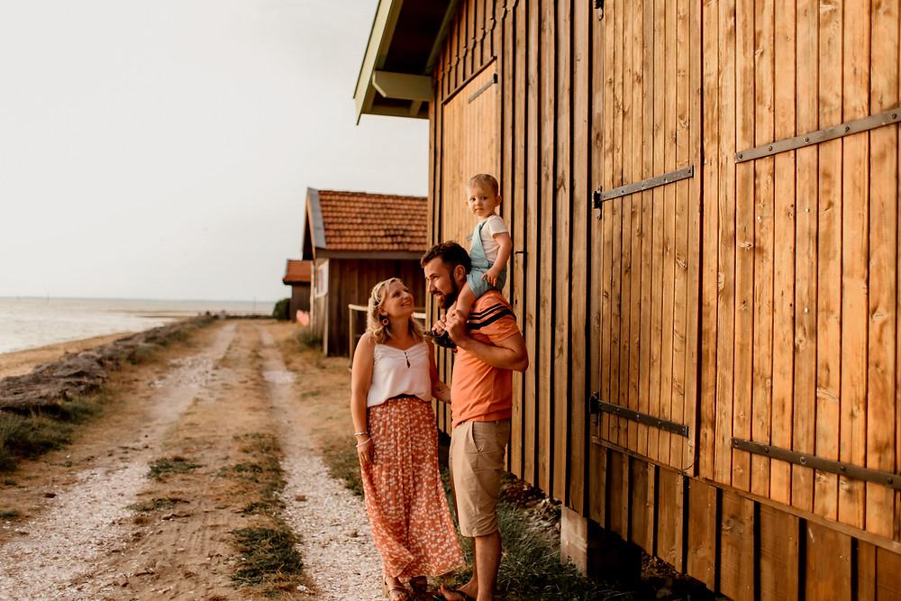 Séance photo en famille réalisée sur le bassin d'Arcachon, photo famille, photographe lille, photographe bassin d'arcachon, photographe la teste de buch.