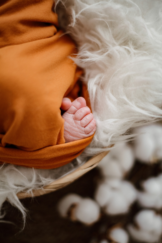photographe naissance lille, photographe naissance nord, photo bébé lille, photo naissance région nord, photographie nouveau-né, photographe nouveau-né, studio photo pour photo naissance, studio photo bébé, séance photo bébé, dpa, grossesse, faire part de naissance,