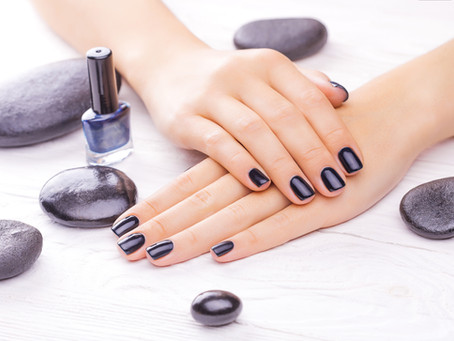 The Monday morning beauty hangover: allergic reactions to manicures, shellac nails, and hair dye