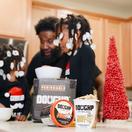 Must Haves for a Holiday Family Night In with Doughp Cookie Dough!