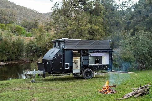 Blue-Tongue-XH15-camper-trailer-black-12