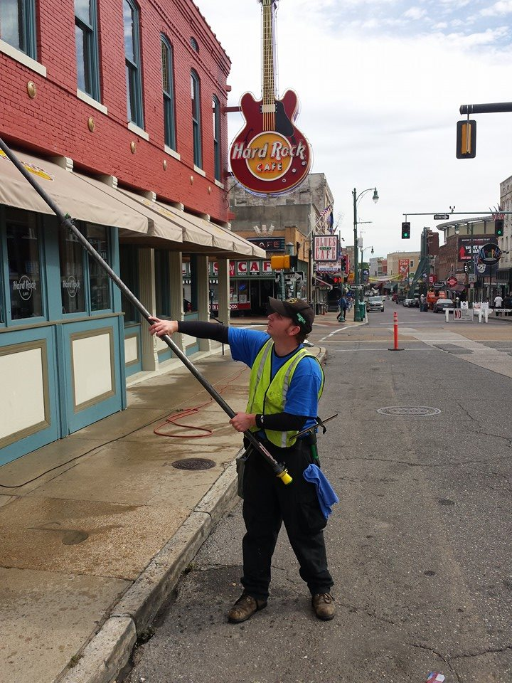 Memphis commercial window cleaning