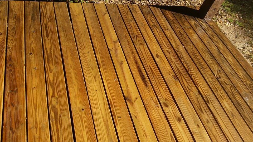 Memphis wooden deck pressure washing