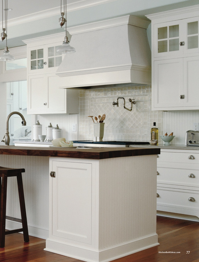 Kitchen simplicity with a Focal Point